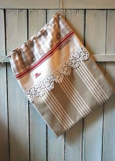"""Items similar to Vichy bread bag, old tea towel and beige stripes, old lace """"Bread"""" embroidery, Shabby chic cottage kitchen decoration gift on Etsy - Beige striped bread bag and antique tea towel by AuFildAntan Fabric Crafts, Sewing Crafts, Sewing Projects, Bread Bags, Couture Sewing, Fabric Bags, Vintage Bags, Vintage Handbags, Little Bag"""