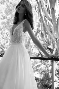 Flora Bridal Boutique is located in the picturesque city of Haifa in Northern Israel, in a historic building designed in French style, giving the boutique a nostalgic and calming atmosphere. | בוטיק פלורה השוכן בעיר חיפה, במדינת ישראל מעוצב בסגנון צרפתי נוסטלגי הנותן אופי ואווירה נעימה ומרגיעה.