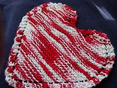 Bordered Heart-shaped Dishcloth I made this on size using Bernat Handicrafter cotton (the breast cancer pink) Because I decreased needle size, I increased from 36 stitches across to 40 (next time I'll go to 42 or Knitted Heart Pattern, Knitted Washcloth Patterns, Knitted Washcloths, Dishcloth Knitting Patterns, Crochet Dishcloths, Knit Or Crochet, Crochet Patterns, Crochet Humor, Knit Lace