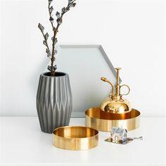 Our gorgeous copper tray, a - Wohnkultur Fotos Home Office Storage, Kitchen Storage, Kitchen Decor, Copper Tray, Metal Trays, Interior Styling, Interior Decorating, Ornament Storage, Cheap Storage