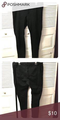 Forever 21+ Black skinny jeans Forever 21 black skinny jeans Forever 21 Pants Skinny