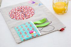 Minki's Work Table | Sewing Illustration | Page 6