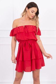 Krásne letné šaty v hispánskom štýle s odhalenými ramenami. V páse je opasok pre prispôsobenie pása. Shoulder Dress, Dresses, Fashion, Vestidos, Moda, Fashion Styles, Dress, Fashion Illustrations, Gown