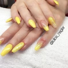 Solgula på Katharina idag!  Cover light från Silcare @glamandbeauty och egenblandade gula nyanser. . . . #nailporn #nailtech #gelnails #gelenaglar #nagelförlängning #glitternails #naglar #nailswag #vackranaglar #nailstagram #nailart #nails #scra2ch #hudabeauty #gliter #nailart #coffinnails #melformakeup #essie #vegas_nay #nsi #nailpromote #longnails #nailartgallery #glamandglits #notd #naglargöteborg #lovenails by lollos_naglar
