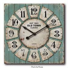VINTAGE CLOCK It soooo appealing for those of us who are attracted to the rustic look. Use license plates
