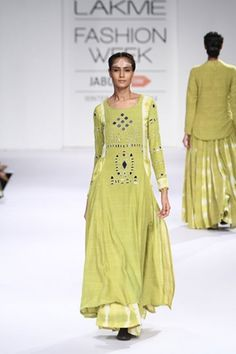 Purvi Doshi. LFW A/W 14'. Indian Couture.
