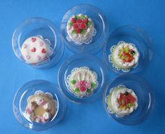 Geburtstagstorten Puppenhaus Dekorationen Miniaturen 1:12 | V