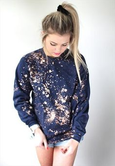 Grungy galaxy spray sweatshirt. Looks diy-able with a jumper and some paint/ chlorine in a spray bottle:)