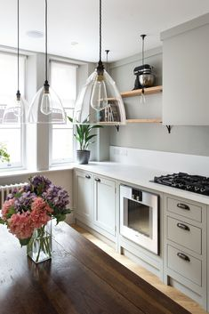 Consider opting for open shelving if you're opting for grey in a small kitchen and don't want your space to feel small or boxed in. Find inspiration with our effortlessly stylish and surprisingly timeless grey kitchen design ideas Kitchen On A Budget, Diy Kitchen, Kitchen Interior, Kitchen Decor, Kitchen Cabinets, Kitchen Ideas For Small Spaces, Small Kitchen Diner, Kitchen Grey, Kitchen Walls