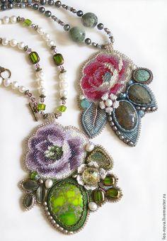 Купить Сиреневая роза - сиреневый, зеленый, оливковый, фиолетовый, колье, кулон, Вышивка бисером, роза