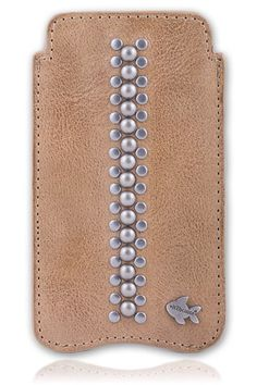 Luxe Metal Stud iPhone 6 telefoonhoesje. Bekijk deze en andere telefoonhoesjes op http://telefoonhoesjes-shop.nl