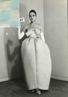 BLOSSAN .: Balenciaga: el maestro de la costura.
