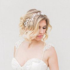 Sarah Walsh Bridal - #hairpieces #asiawedding #asiaweddingnetwork