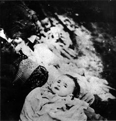 Victim of the Hungarian Arrow Cross Party. http://collections.yadvashem.org/photosarchive/en-us/28413_101432.html