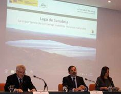 Las aguas del Lago de Sanabria gozan de buena salud http://revcyl.com/www/index.php/medio-ambiente/item/3500-la-mayor%C3%ADa-de-los-cient%C3%ADficos-rebaten-las-manifestaciones-de-la-ebi-sobre-el-estado-del-lago-de-sanabria-en-la-jornada-de-debate-cient%C3%ADfico-t%C3%A9cnico-sobre-el-lago-de-sanabria