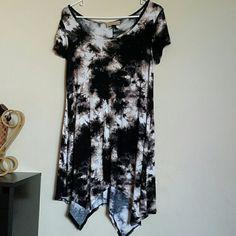 Tye and dye tunic Preloved Assymetrical tye and dye tunic . Beautiful color and very comfy rachel and sky  Tops Tunics
