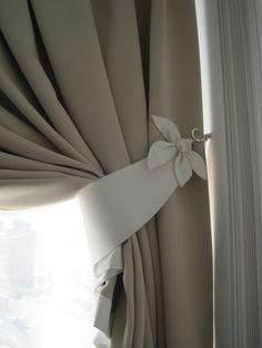 Living Room Decor Curtains, Hanging Curtains, Drapes Curtains, Baby Room Closet, Living Room Decor Inspiration, Floor Pouf, Luxury Bedroom Design, Original Design, Curtain Tie Backs