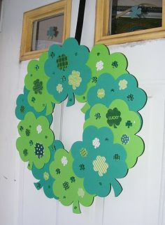 cute and easy shamrock wreath for st patrick's day