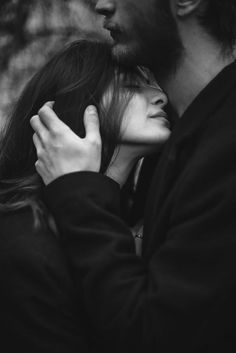 Couple kissing - black and white photo Image Couple, Photo Couple, Couple Shoot, Cute Couples Goals, Couples In Love, Poses Pour Photoshoot, Photoshoot Ideas, Wedding Photoshoot, Poses Photo