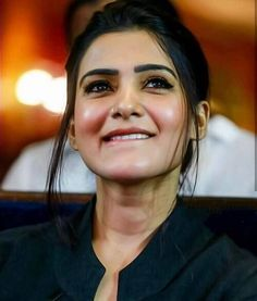 realy ur smile killing me sam 😍.I think in dictionary , beautiful word replaced by samantha . Indian Actress Hot Pics, South Indian Actress, South Actress, Indian Actresses, Samantha In Saree, Samantha Ruth, Beautiful Girl Indian, Most Beautiful Indian Actress, Beautiful Bollywood Actress