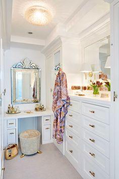 Custom Closet Design, Custom Closets, Closet Designs, Walking Closet, Master Closet, Closet Bedroom, Bed In Closet, Organiser Son Dressing, Dressing Room Closet