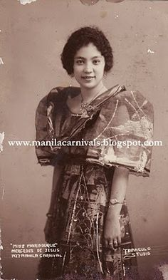 A Pictorial History of 'the Greatest Annual Event in the Orient' Miss Philippines, Philippines Fashion, Filipino Art, Filipino Culture, Old Photos, Vintage Photos, Filipiniana Dress, Filipino Fashion, Filipina Beauty