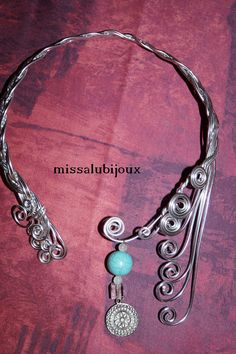 collier en aluminium tressé celtic et son pendentif avec pierres fines http://www.alittlemarket.com/boutique/missalubijoux-403257.html