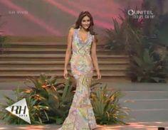 Antonella Massaro Miss Venezuela en Bolivia..  en su presentacion en Traje de Gala en el Reina Hispanoamericana 2016 by Antoni Azocar..