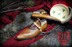 Shoes 14/15th century www.facebook.com/pkk.reko