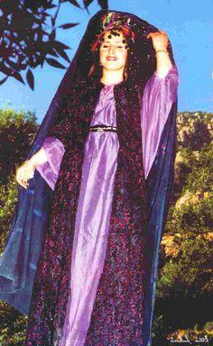 Traditional festive costume of Shaqlawa, nothern Iraq. Chaldean (Assyrian), 2nd half 20th century.