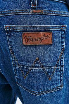 7b6dc26090b 8 bästa bilderna på Jeansigt | Clothing, Levis jeans och Coast coats