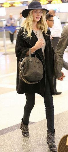 Total Black Outfit by Rosie Huntington Whiteley - Paparazzi Look at the Airport - Street Style Fashion - #fashion