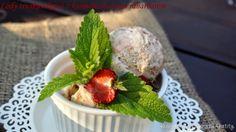 Domowe lody truskawkowe z karmelizowanym rabarbarem
