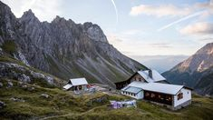 A huge number of mountain refuge huts provide a great night's sleep in the mountains of Tirol and offer shelter in the event of bad weather. Browse through our overview here.