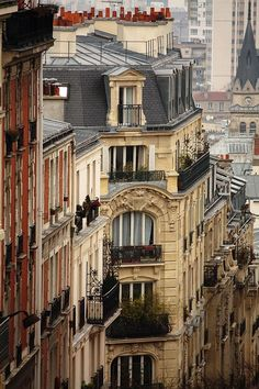 ♛ ԼσᏉҽ Ƥaɽίʂ | Romantic rooftops of Montmartre, Paris XVIIIème