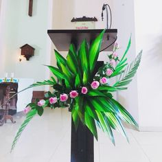 Altar Flowers, Church Flower Arrangements, Funeral Arrangements, Church Flowers, Beautiful Flower Arrangements, Beautiful Flowers, Altar Decorations, New Years Decorations, Flower Decorations