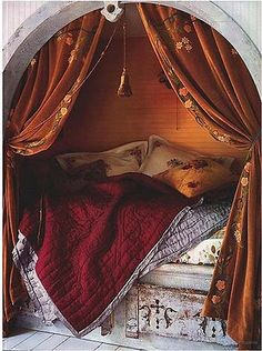 This is a shakespearean sonnet as a bed!