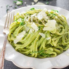 This creamy Avocado & Spinach Pasta is somehow super light.