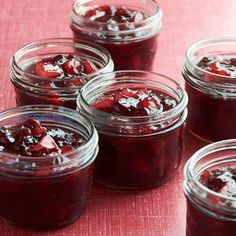 Cranberry and Pear Conserve; Satisfy your holiday sweet tooth with this sweet fruit preserve. As a side, its tart fruit flavor balances out a rich Thanksgiving menu. Spoon a little into a homemade vinaigrette for a sweet salad. Pear Recipes, Cranberry Recipes, Cranberry Sauce, Sauce Recipes, Jelly Recipes, Thanksgiving Side Dishes, Thanksgiving Recipes, Holiday Recipes, Thanksgiving Appetizers