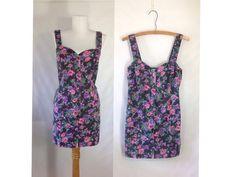 Vintage Floral Denim Dress #sixcatsfunVINTAGE #floraldenim #denimdress #denimbodycon #etsy #vintage #denimmini
