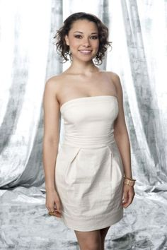 Picture of Jessica Parker Kennedy Jessica Parker Kennedy, Elegant Sophisticated, Black Sails, Canadian Actresses, Belleza Natural, Celebs, Celebrities, The Flash, Strapless Dress