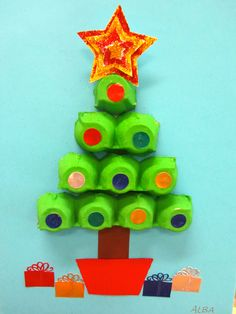 Simple and cute DIY Christmas crafts for kids Crafts 😋 Christmas Crafts For Kids To Make, Preschool Christmas, Christmas Activities, Christmas Projects, Kids Christmas, Holiday Crafts, Christmas Ornaments, Christmas Trees, Recycled Christmas Decorations