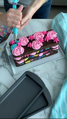 Cake Decorating Piping, Cake Decorating Designs, Cake Decorating Videos, Cake Decorating Techniques, Cake Designs, Cookie Decorating, Cake Icing, Eat Cake, Cupcake Cakes