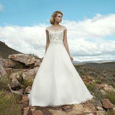 #jeitodemenina69 #weddingdresses #weddingdress #wedding #dress #dresses #noivas #noiva #brides #bride #bridal #bridals #vestido #vestidodenoiva #vestidos #cute #love #photooftheday #photos #photo #foto #fotografias #fotografia #marriage #ensaiofotograficofeminino  #ensaiofotografico #picture #pictures #perfect #perfeito