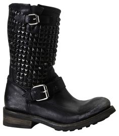 ash boots <3