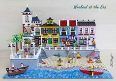 On the first day of spring I dreamed of having a good coffee by the sea. This was the inspiration for creating this seaside village. Lego Hotel, Lego Beach, Lego Display, All Lego, Lego Modular, Lego War, Cool Lego Creations, Lego Design, Lego Architecture