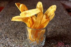 Chifles of bananenchips Cuban Recipes, Snack Recipes, Ceviche, Snacks, Tapas, Carrots, Vegetables, Food, Snack Mix Recipes