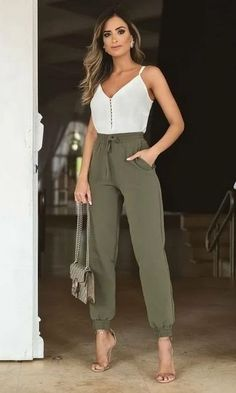 Spring Outfit Women, Summer Outfits, Mode Outfits, Fashion Outfits, Casual Chic Outfits, Casual Office Outfits Women, Casual Dresses, Elegantes Outfit, Professional Outfits