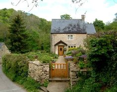 English Garden Gate | English cottage through a proper garden gate | English…