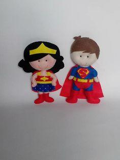 Enfeite  Super Homem- mulher maravilha | Pokopous | 34C626 - Elo7